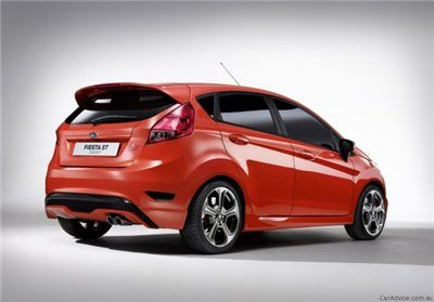 201111070707_ford_fiesta_st_concept_2-575x401-4881557