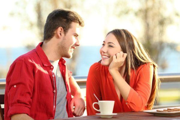Как расположить к себе девушку при знакомстве