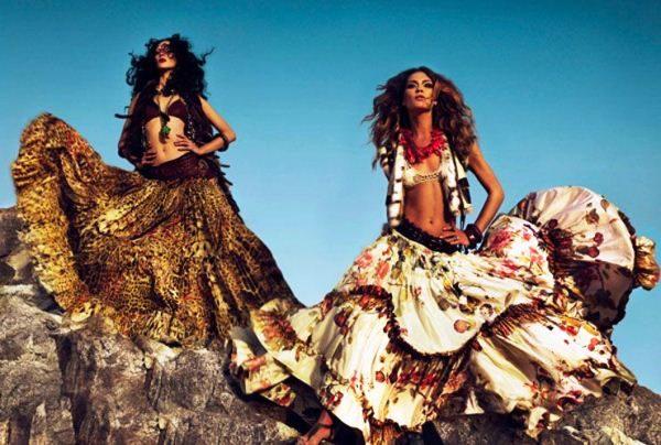 девушки цыганки в восточных юбках