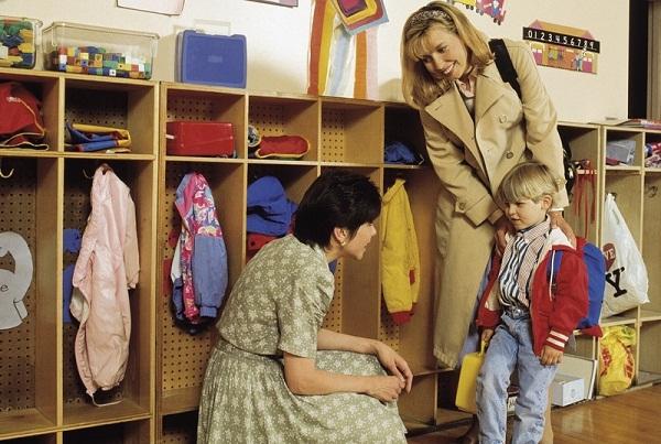 расставание с мамой в детском саду
