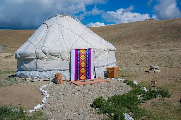Юрточный кемпинг Gold Camel в Алтайском крае