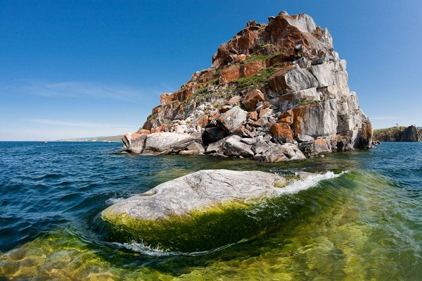 Байкал: скала Шаманка