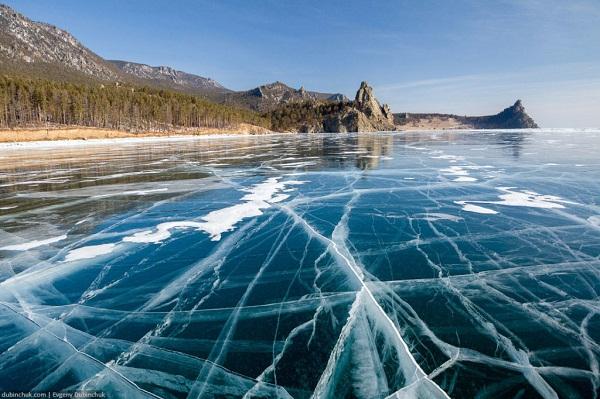 Байкал во льдах