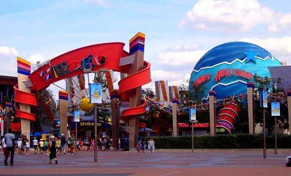 деревня Disney Village