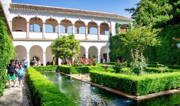 Сады Хенералифе - бесценный образец королевских арабских резиденций Средневековья