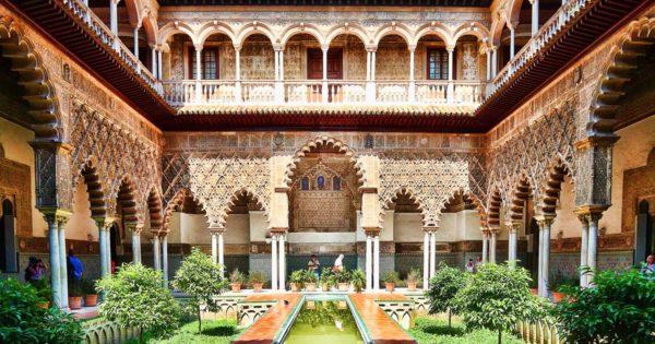 Альхаферия – мавританский дворец