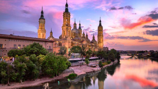 Большая часть достопримечательностей Сарагосы – форты, храмы, базилики, дворцы римского периода, но много из них пострадали при войне за независимость