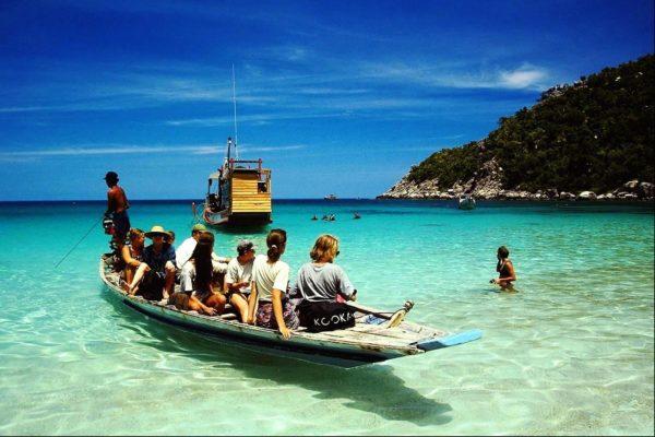 Остров может похвастать большим количеством курортных мест, которые ежегодно посещают миллионы туристов