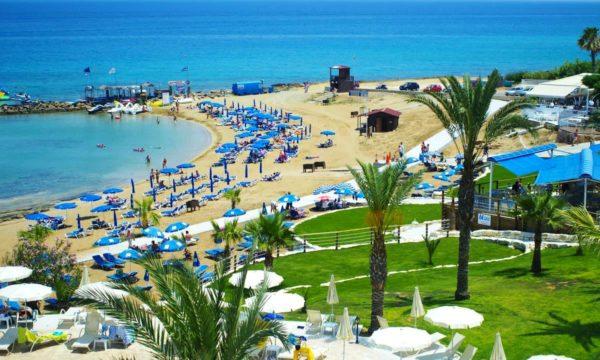 Протарас – это небольшой пляжный городок с развитой туристической инфраструктурой
