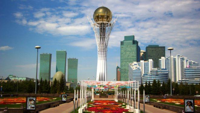 Монумент Байтерек в Казахстане