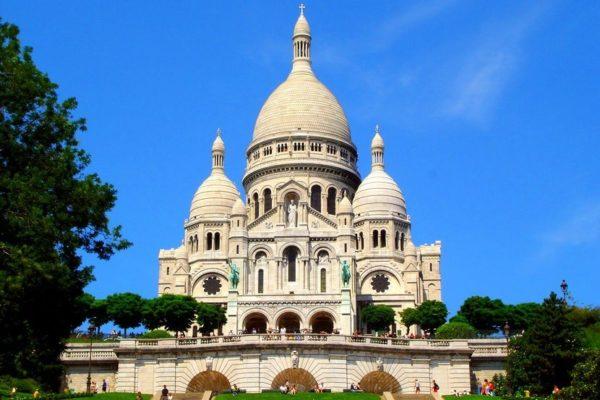 Собор Сакре-Кер - самый крупный собор во всей Франции, расположенный на самой высокой точке, откуда виден весь Париж