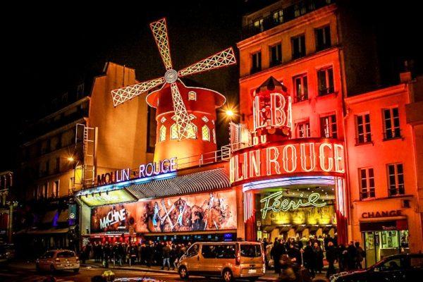Мулен Руж! Красная мельница – самое знаменитое кабаре Парижа и одна из самых узнаваемых достопримечательностей