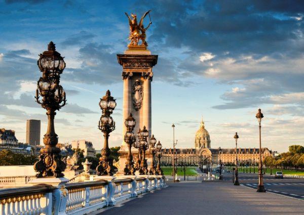 Париж – это уникальный город, который манит своей архитектурой, романтикой и природой