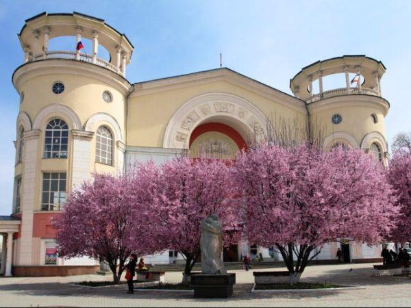 Симферополь– целый комплекс историко-культурных объектов, природных памятников и развлечений