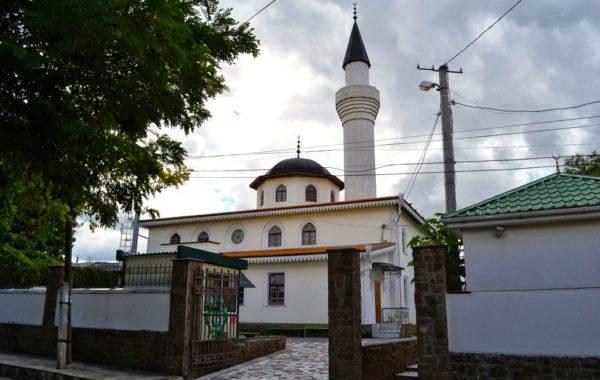 Кебир-Джами – главная пятничная мечеть в Крыму