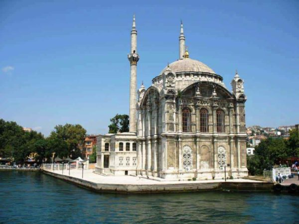 Мечеть Ортакёй – Большая мечеть Меджидие