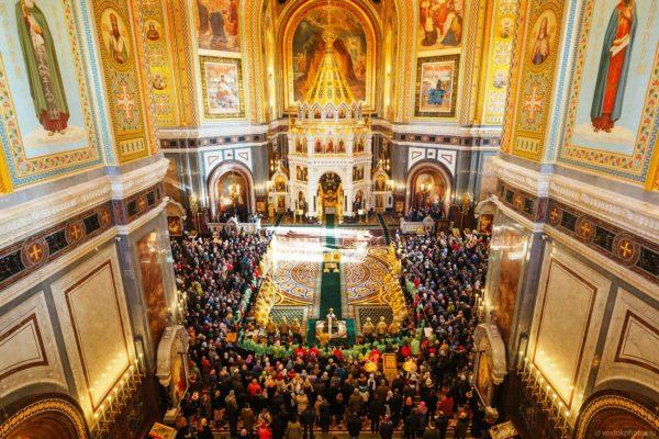 Богослужения, проходящие в Храме Христа Спасителя в Москве
