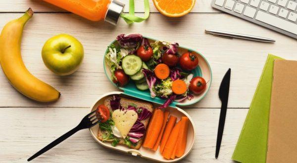 Своевременная доставка обедов в офис позволит сплотить коллектив, воспитать культуру правильного питания, рационально распределить время на принятие пищи и отдых