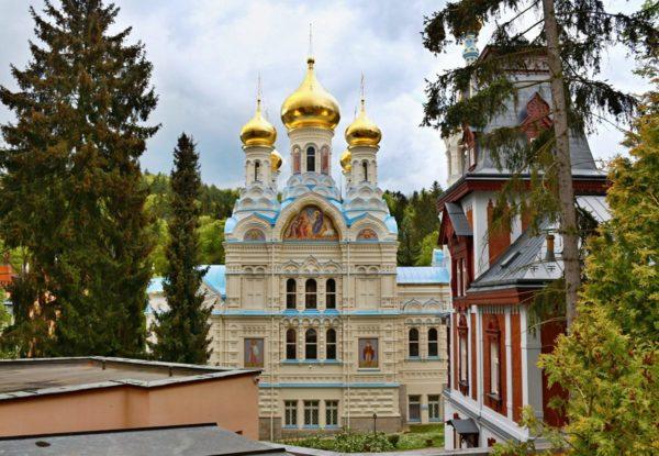 С 1979 г. петропавловская церковь перешла под юрисдикцию русского православного патриарха