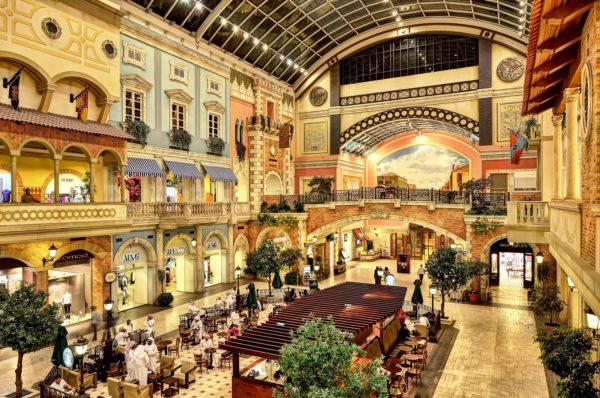 Торговый комплекс Dubai Mal – настоящий рай для шопоголиков и раздолье для туристов