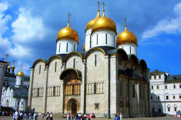 Успенский собор – часть музея Московского Кремля и один из главных объектов православной истории