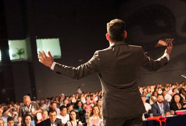 Как развить навыки публичного выступления