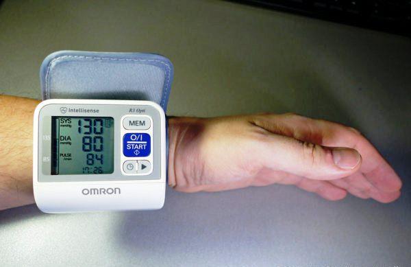 самостоятельно измерить артериальное давление