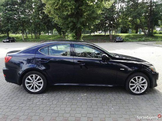 samochod-osobowy-lexus-3749347