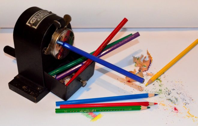 spitzer_pencil_sharpener_antique_sharpener_office_accessories_old_desk_accessories_colored_pencils-1198797