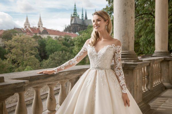 выбрать свадебное платье с рукавами