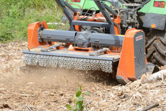 мульчер на трактор для деревьев