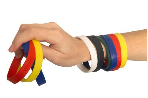 silicone-writbands-on-hand-1