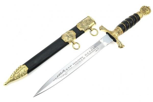 Сувенирное оружие с длинными и средними клинками